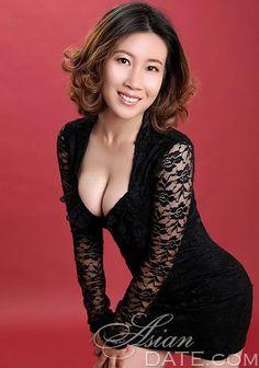 Convidamos você a navegar na nossa galeria de fotos: Hong Hui, mulher, companheirismo romântico, asiático