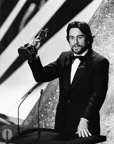 """1974 - Robert De Niro - Mejor Actor de Reparto por """"El Padrino II""""."""