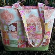 Quilted Tote Bag  - via @Craftsy