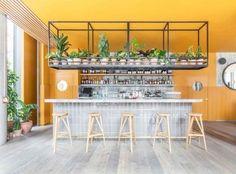 Inside East London's coolest new restaurant and bar: Este de Londres es famoso por su oferta culinaria de clase mundial, los bares de moda y lugares de intimidantemente fresco - y Tréveris y Hyde, un importante punto de la zona de la cadera, es como en casa.