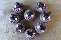 These blueberry blackberry cupcakes are naturally colored using freeze dried fruits. The cupcakes are topped with a blueberry cream cheese frosting and Purple Cupcakes, Cupcake Recipes, Cupcake Cakes, Dessert Recipes, Cup Cakes, Yummy Recipes, Blackberry Cupcakes, Blackberry Muffin, Pie Cake