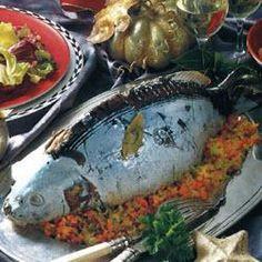 Karpfen blau mit zerlassener Butter und Salzkartoffeln