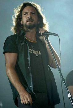 Eddie Vedder from Pearl Jam Rock Roll, Rock N Roll Music, I Love Music, My Music, Music Stuff, Beautiful Men, Beautiful People, Chicago Cubs, Pearl Jam Eddie Vedder