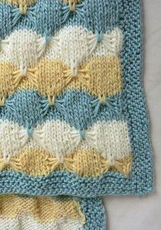 :: Treetops Baby Blanket free knitting pattern.