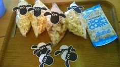Lost sheep craft, popcorn sheep inside sandwich bags.