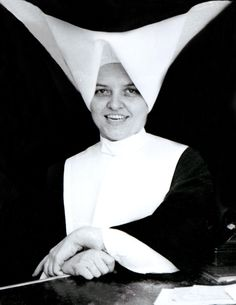 Sister Amelia celebrates her year of vocation this year. Born in St. Louis, Sister entered the Daughters of Charity of St. Vincent de Paul in Daughters Of Charity, Nuns Habits, Corporate Women, Male Nurse, Religious Art, Color Photography, Black And White Photography, New Orleans, Catholic