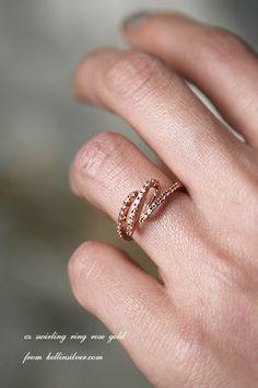 CZ Swirling Ring Rose Gold - Kellinsilver