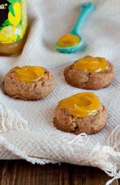 Lemon Ginger Thumbprint Cookies DessertForTwo - What would you bring to a picnic? Cookie Desserts, Just Desserts, Cookie Recipes, Snack Recipes, Dessert Recipes, Cookie Tray, Picnic Recipes, Chocolate Desserts, Dessert For Two