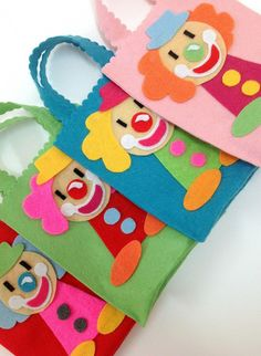 Clown Crafts, Circus Crafts, Carnival Crafts, Circus Carnival Party, Paper Bag Crafts, Paper Gift Bags, Felt Crafts, Diy Arts And Crafts, Diy Crafts For Kids