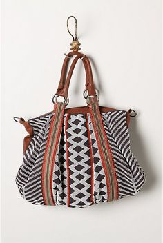 Stand-Out Graphic: Fabric Bags !