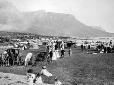 Camps Bay has always been a sought-after spot for fun in the sun and on the beach but before it was the haven of models on holiday and those gasping for a cocktail, it was a heavily forested paradise. Old Pictures, Old Photos, Vintage Photos, Cape Town Holidays, Out Of Africa, History Photos, Most Beautiful Cities, African History, Africa Travel