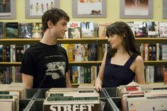 Still of Zooey Deschanel and Joseph Gordon-Levitt in 500 jours ensemble 500 Days Of Summer, 500 Dias Con Summer, Summer 3, Zooey Deschanel, Best Breakup Songs, Boy Meets Girl, All I Ever Wanted, Entertainment, Ryan Gosling