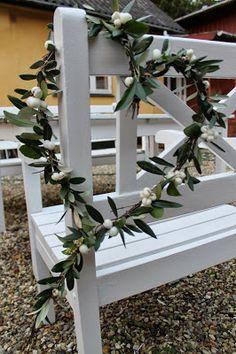 birkegrene-hjerte med olivengrene og snebærrene på. foto; gårdejerinden.