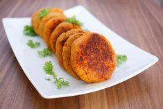 Quinoa- og søtpotetkaker | Maria Uldahl Couscous, Quinoa, Ethnic Recipes, Food, Bulgur, Essen, Meals, Yemek, Eten
