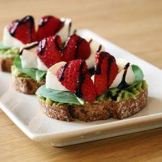 Chlebíček s hermelínom a jahodami Avocado Toast, Breakfast, Food, Meal, Eten, Meals, Morning Breakfast
