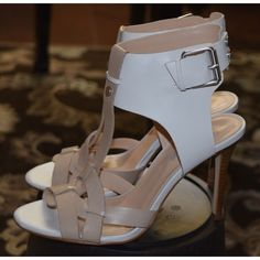 Total Trendsetter HP 5/13 woohoo! White & tan leather ankle strap sandals Guess Shoes Sandals