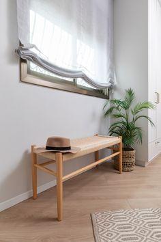 ספסל בחדר השינה Bench in bedroom Entryway Bench, Curtains, Furniture, Home Decor, Entry Bench, Hall Bench, Blinds, Decoration Home, Room Decor