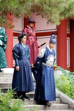 Park Bo Gum and Kwak Dong Yeon, Moonlight Drawn By Clouds still