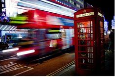 Londres apparaît comme une métropole moderne, dynamique et florissante (voir la vidéo) suscitant les fantasmes les plus fous. La ville se révèle cosmopolite avec plus de 50 nationalités représentées, parlant environ 300 langues différentes. Vous y trouverez tous les styles du monde entier