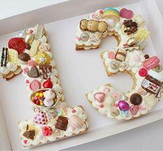 Teenager Geburtstag Ideen Ideas for teenage birthdays Cute Cakes, Pretty Cakes, Beautiful Cakes, Amazing Cakes, Cake Cookies, Cupcake Cakes, Teenager Party, Teenager Birthday, Bolo Original