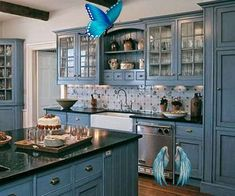 Quaint and rustic looking finishes, but blue instead of white or tan!<br> Interior Modern, Kitchen Interior, Kitchen Decor, Kitchen Tables, Interior Design, Country Interior, Country Decor, Dining Table, Modern Exterior