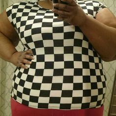 Forever 21 Checkered Hi/Low Blouse Super cute checkered stretchy knit Hi/Low top Forever 21 Tops Blouses