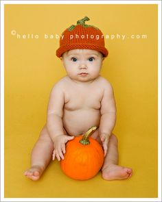 Would have baby lean/sit on big brother since he can't sit up on his own yet Fall Baby Pictures, Newborn Pictures, Fall Photos, Cute Kids, Cute Babies, Pumpkin Photos, 6 Month Old Baby, Foto Baby, Toddler Photography