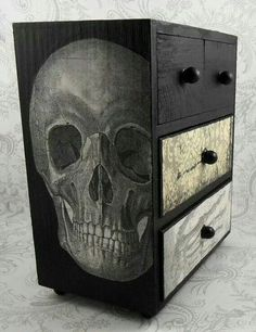 Black and White Skull Skeleton Vintage Jewelry Box by Skull Furniture, Gothic Furniture, Cool Furniture, Painted Furniture, Gothic House, Gothic Mansion, Home And Deco, Skull And Bones, Black And White