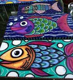Fish paintings by Gemma Amero Flavin. Could do a pop art and aboriginal combo/mashup lesson. Wal Art, 5th Grade Art, Ecole Art, School Art Projects, Middle School Art, Art Lessons Elementary, Arte Pop, Fish Art, Art Lesson Plans