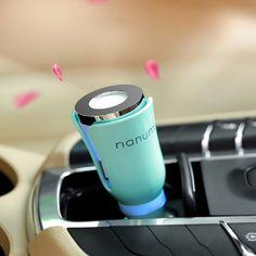 Ez az elegáns kis készülék két dologban is a segítségedre lesz! Illatosítja az autódat, és feltöltheted rajta keresztül a telefonod!