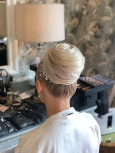 Gemma became the leading wedding hair and make up artist in the UK in 2015 when she won TWIA National Title Hair And Makeup Artist, Hair Makeup, Bridal Hair Updo, Updos, Wedding Hairstyles, Wedding Day, Up Dos, Pi Day Wedding, Hair Styles