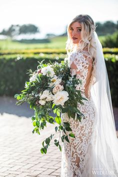WedLuxe– An Oceanside Styled Shoot Inspired By European Romance | Photography by: Jessica Claire Photography Follow @WedLuxe for more wedding inspiration!