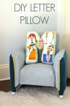 The cutest DIY Letter Pillow! This easy DIY project is so cute an fun! Fabric Letters, Diy Letters, Sewing Pillows, Diy Pillows, Sewing Crafts, Sewing Projects, Diy Projects, Fabric Scraps, Scrap Fabric