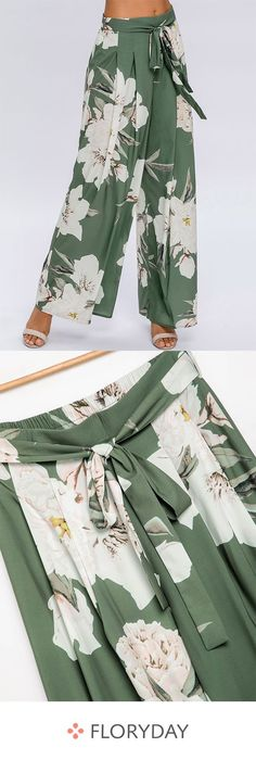 Large size ladies loose pants- Große Größe Damen lockere Hosen The best friend of autumn is a statement pant for the season. Loose Fit Jeans, Loose Pants, Wide Leg Pants, Outfit Essentials, Elegantes Outfit, Floral Pants, Plus Size Maxi Dresses, Autumn Fashion Casual, Linen Shorts