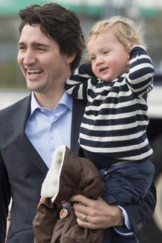 Justin Trudeau Holding His Future Son Born Eight Months After Trump's First Presidential Visit. Trudeau Canada, Pm Trudeau, Justin Trudeau Kids, Popular People, Famous People, Barack Obama, Sophie Gregoire Trudeau, Meanwhile In Canada, Justin James