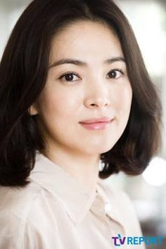 Song Hye Kyo Hairstyle Descendants of the Sun (Perspective Korean Actresses, Korean Actors, Song Hye Kyo Style, Scarlet Heart Ryeo Wallpaper, Girl Drama, Pretty Songs, Songsong Couple, Star Wars, Short Bob Hairstyles