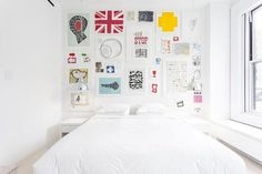 Bright Nordic Loft Design with Pure White Furniture and Interiors : Teens Bedroom Design White Bedroom Inspiration Edificio Flatiron, Jugendschlafzimmer Designs, Teen Bedroom Designs, Flatiron Building, Deco Originale, Minimalist Apartment, Loft Design, White Furniture, Bedroom Wall
