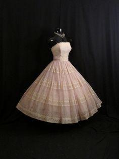 Ideas boho bridal shower outfit shirts for 2019 Shower Outfits, Shower Dresses, Cotillion Dresses, Tea Dresses, Hoco Dresses, Evening Dresses, Chiffon Dress, Lace Chiffon, New Wedding Dresses