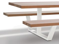 Iroko picnic table with integrated benches CASSECROUTE IROKO by CASSECROUTE design Wim Segers, Ronald Mattelé