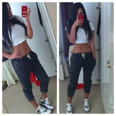 sweatingmyassoff: Reblog because she's in 4's. :p