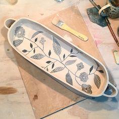 Pottery Painting, Ceramic Painting, Pottery Vase, Ceramic Pottery, Ceramic Birds, Ceramic Teapots, Pottery Designs, Mug Designs, Ceramic Soap Dish