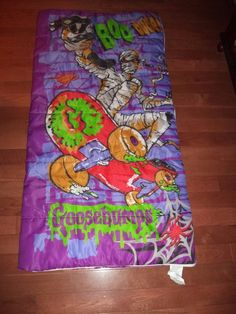 """VINTAGE 90s GOOSEBUMPS Skateboard Mummy Slumber Sleeping Bag RL Stine Blanket - $40.49. Measures about 26"""" x 54"""". Zipper works properly. Very good condition....shows very little wear. Comes from a smoke free home, Thank you for looking. :) 263129164610 Sleeping Bag, Skateboard, Smoke Free, Zipper, Blanket, Bags, Vintage, Skateboarding, Handbags"""