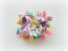 Making bows has become my newest obsession. With the flip flop ribbon and lil flip flop in the middle , this bow screams Summer Fun :)
