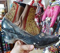 Late-Ottoman 'double' shoe-ware: an indoor shoe with embroidered upper part, and a fitting outdoor shoe.  Urban, ca. 1900-1925.  On exhibit in the Misiköy Etnografya Müzesi (Bursa).