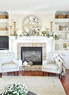 Wonder Woman Party: Step by Step Tutorials and Inspirations - Home Fashion Trend Decor, Fall Mantle Decor, Interior, Autumn Home, Fall Mantel Decorations, Fireplace Mantle Decor, Living Room Decor, Home Decor, Trending Decor