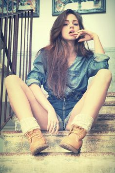 Hot Girls, Teen, Sexy Babes and Asia beauty Outfit Timberland, Timberland Boots Women, Timberlands Women, Grunge Style, Keds, Camo, Frilly Socks, Poses, Blazer