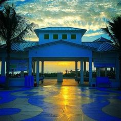 Follow the Yellow Brick Road. Courtesy of Fort Lauderdale Seaside Photography