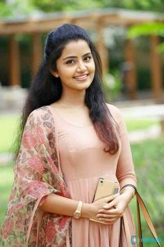 Anupama Parameswaran sexy pics are an eye feast for her fans. Here are the bold and hot images of Anupama Parameswaran from her hot photoshoots. Do check out Sizzling images of Anupama Parameswaran in saree, Jeans etc Indian Gowns Dresses, Indian Fashion Dresses, Dress Indian Style, Indian Designer Outfits, Long Dress Design, Stylish Dress Designs, Stylish Dresses, Beautiful Girl Photo, Beautiful Girl Indian