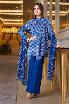Elegant blue 3 piece unstitched pret dress by Nishat Linen spring collection 2018 Simple Pakistani Dresses, Pakistani Fashion Casual, Pakistani Dress Design, Pakistani Outfits, Pakistani Clothing, Frock Fashion, Women's Fashion Dresses, Stylish Dresses For Girls, Casual Dresses