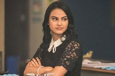 Camila Mendes is amazing as Veronica. Camila Mendes Veronica Lodge, Archie Comics Characters, Camila Mendes Riverdale, Camilla Mendes, Riverdale Archie, Riverdale Characters, Riverdale Aesthetic, Cheryl Blossom, Collar Designs
